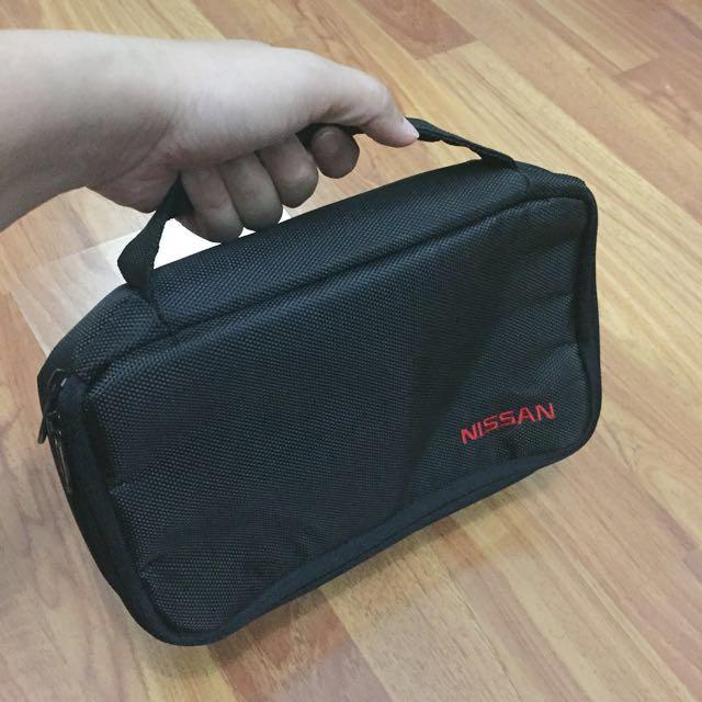 Tempat peralatan kamera/ perlengkapan gadget bisa juga Pouch Toiletries / Makeup Bordir NISSAN
