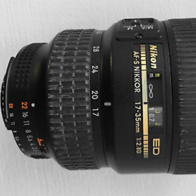 Wts 85% new alike nikon 17-35mm f/2.8 but with focus squeak sound and focus perfectly!