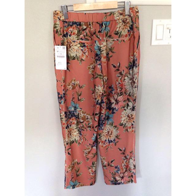 Zara Floral Loose fit Trousers - Size Medium