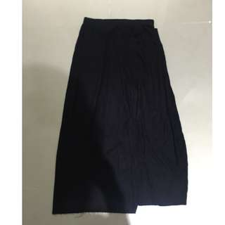BERSHKA 棉質薄黑長裙 含運費