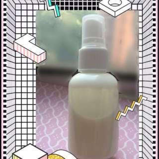 酵素煥膚洗面奶  100ml  $188 (包本地平郵)  效用: 適用任何肌膚,能補充肌膚水份,修復受損細胞,特別加入鳯梨酵素,能軟化皮膚表面老化角質層,幫助溶解黑頭粉刺,清除毛孔阻塞物,從而收細毛孔,令肌膚更柔軟白滑和有光澤。  主要成分: 橙花花水 酪梨油 有機鳯梨酵素 甘油