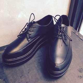 轉售mukk 質量好真皮尖頭厚底鞋 T.U.K