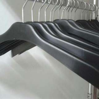 Hanger Gantungan Baju Bentuk Bebek Hitam