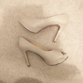 Nine west heels-price reduced!