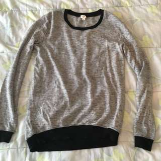 Grey/black pullover sweater