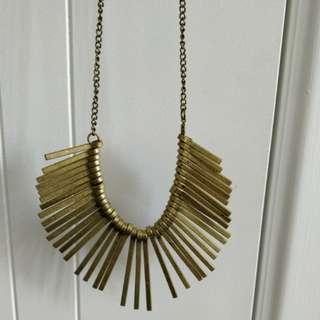 Gold statement necklacr