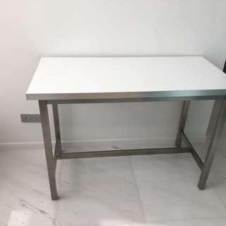 High dining table / bar table