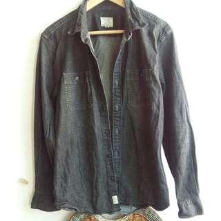 黑色牛仔布長袖衫,膊闊17寸,胸38寸,袖24,身長29寸,不包郵