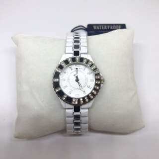 Brand new white ceramic Sinobi watch in perfectly working class condition