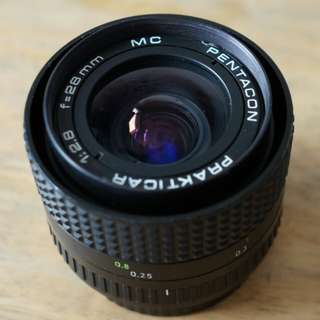 Pentacon 28mm f2.8 MC lens
