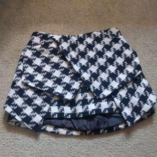 Checkered knit skirt