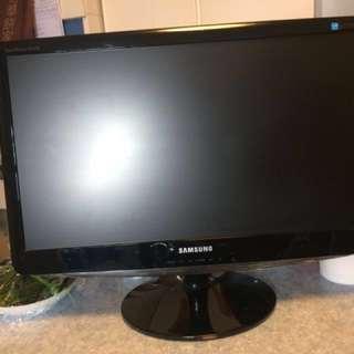 LCD 顯示器(不是電視機) 慈善捐款