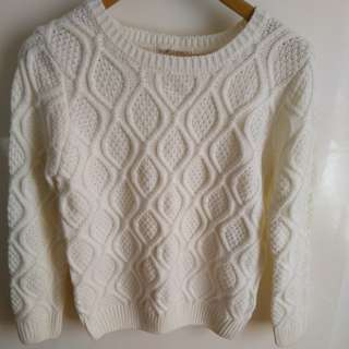 Used white cotton jumper