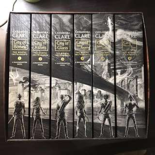 The Mortal Instruments Complete Paperback Collection