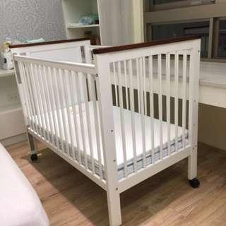 GMP嬰兒床。便宜出售