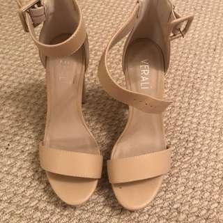Verali nude platform heels