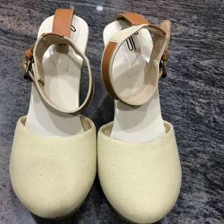 I WEAR UP JOAN BEIGE SIZE 40