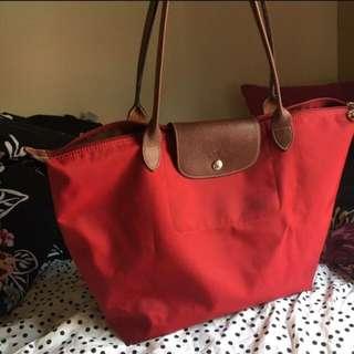Red Longchamp Medium Le Pliage