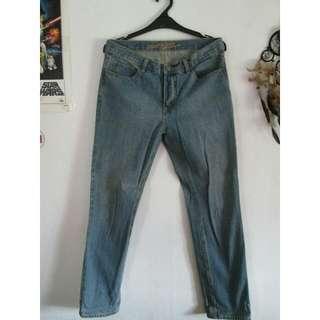 Giordano Jeans Size 32