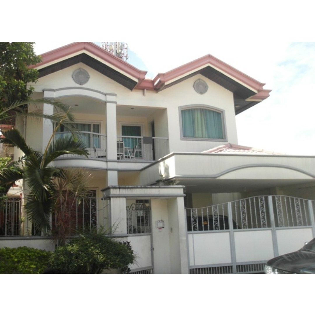 450SQM with SWIMMING POOL DETACHED Quezon City House and Lot For Sale