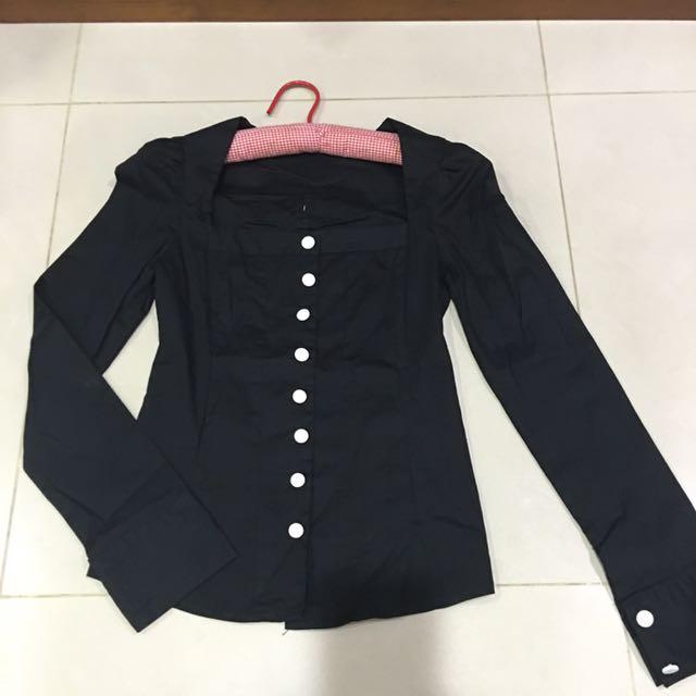 黑色小方領襯衫