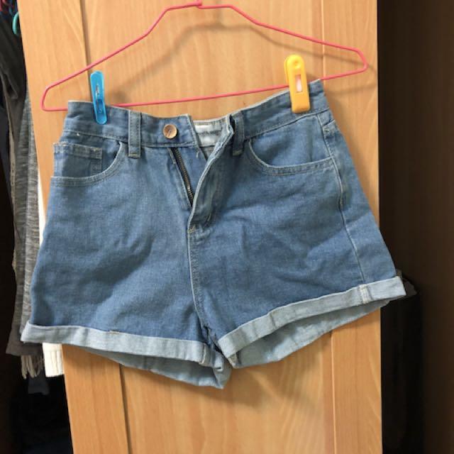 淺藍反折牛仔短褲