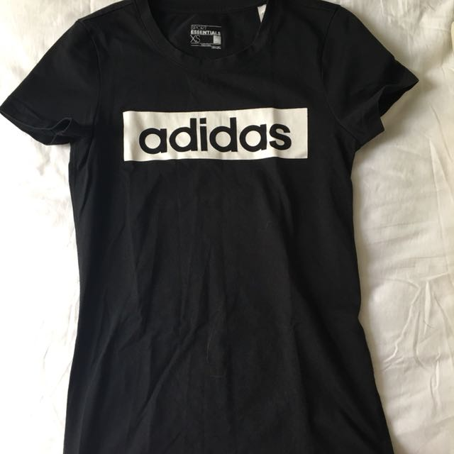 Adidas xs上衣