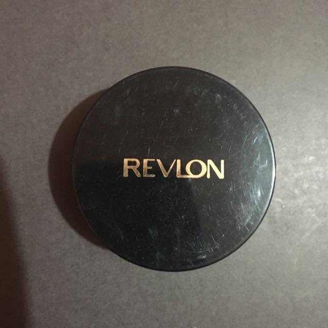 Bedak Revlon