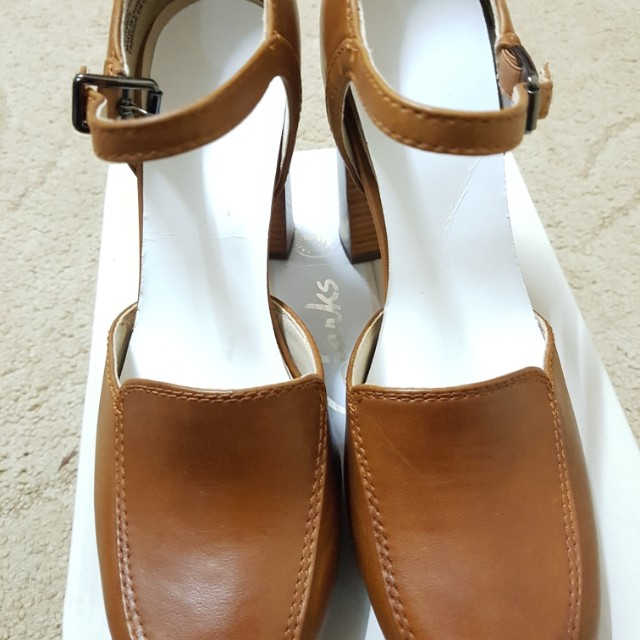 Clarks Gabriel Dawn Tan Leather (Brand New), Women s Fashion, Shoes on  Carousell f5ee460ddec2