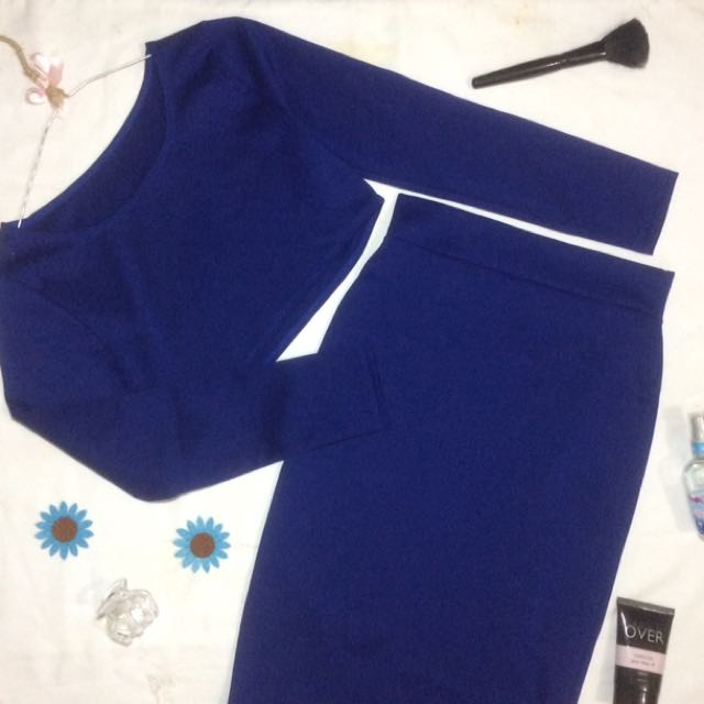 Crop Top With Skinny Skirt