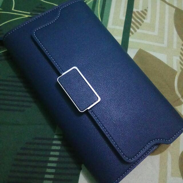 Dompet Biru (Blue Wallet)