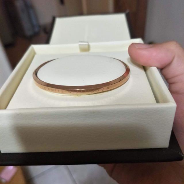 DW 手環