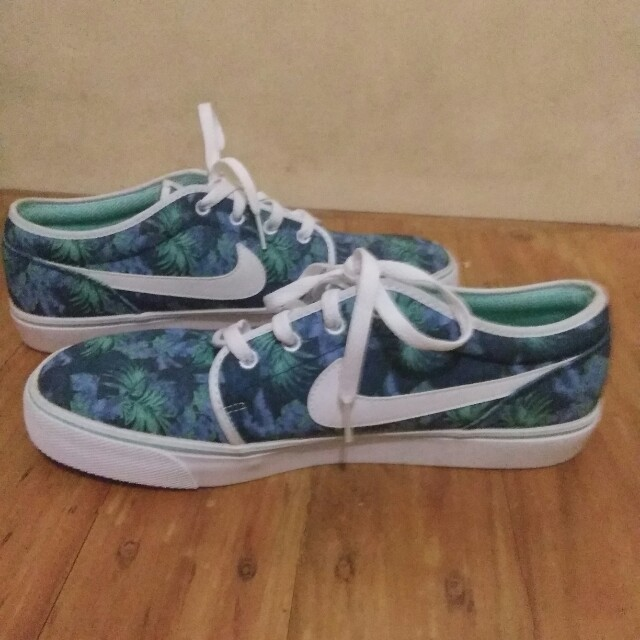 Where To Buy Nike Floral Janoski  196d1aef7