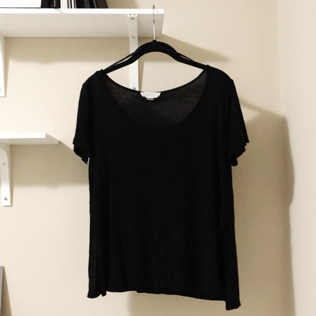 FOREVER 21 TSHIRT WITH SLITS