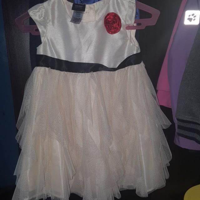 99cf9ac9f4fa Girls dress holiday edition on Carousell
