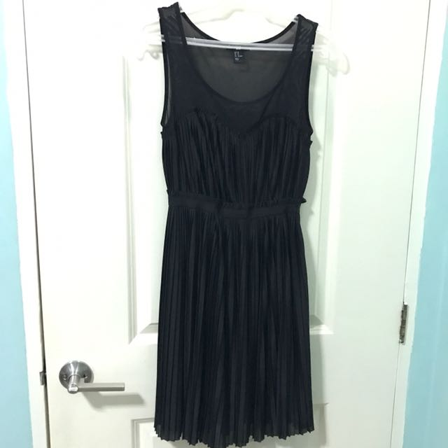H&M pleated black dress