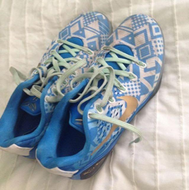 Kobe Bryant bball shoes