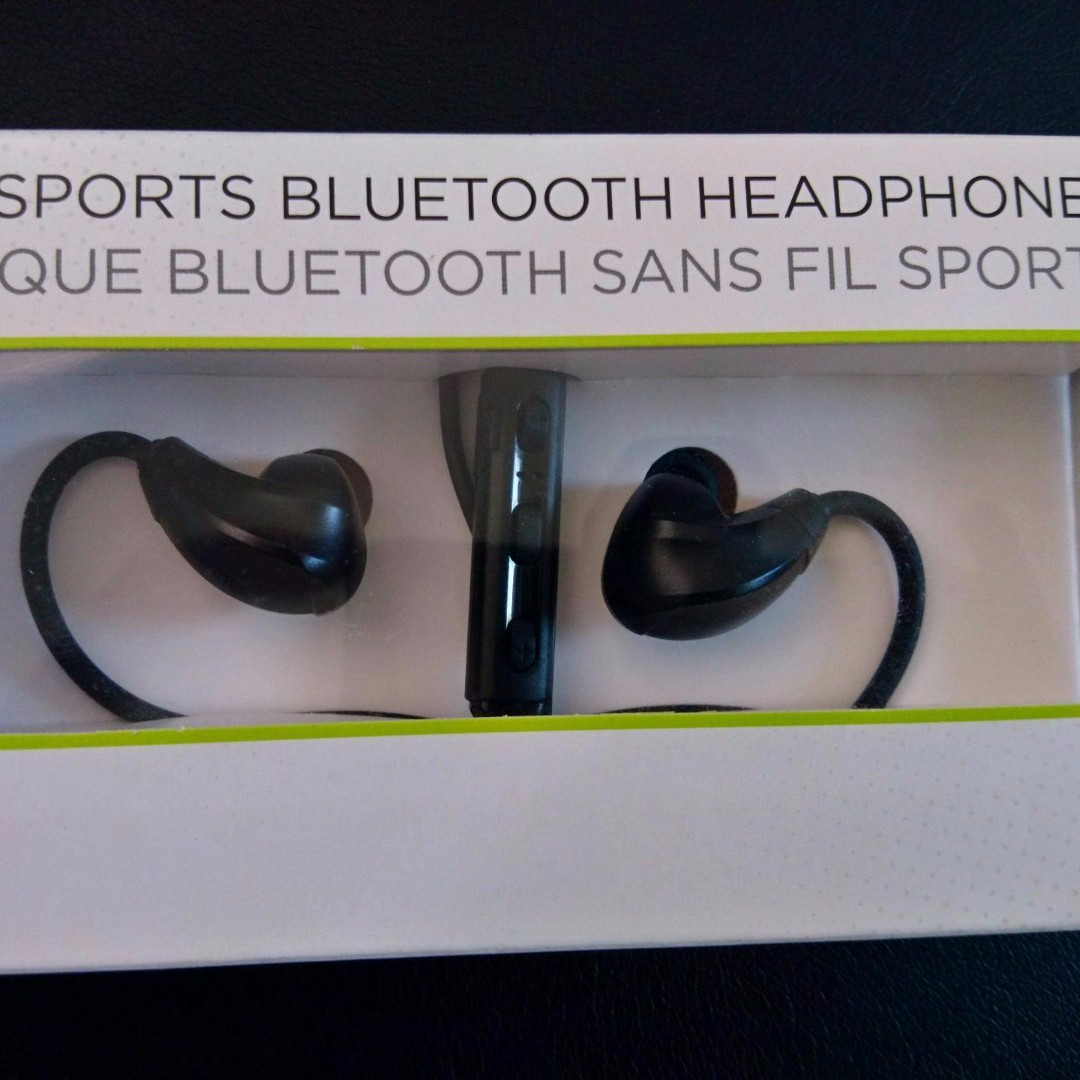 NEW Tomtom Sports Bluetooth Headphones