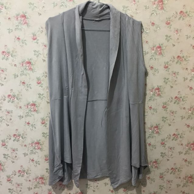 Outer light grey