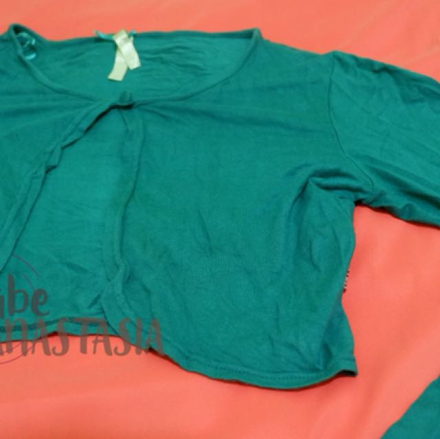 Outfit hijau