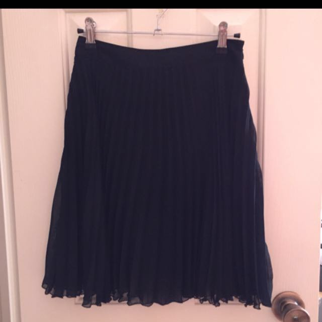 Portmans pleated Skirt size 6