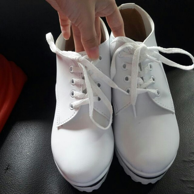 Wedges white
