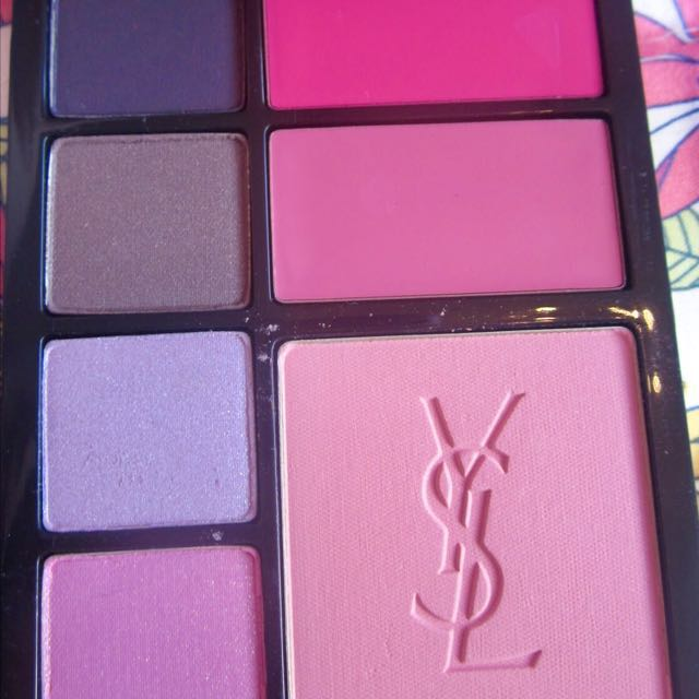 YSL MakeUp Palette with brushes As New