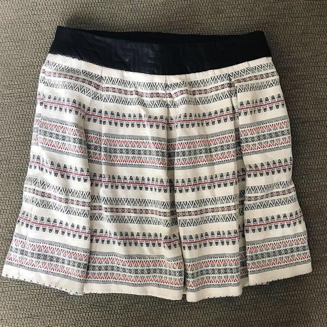 Zara Skirt Size M Baru €40