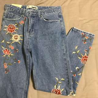 embroidered flowers mom jeans