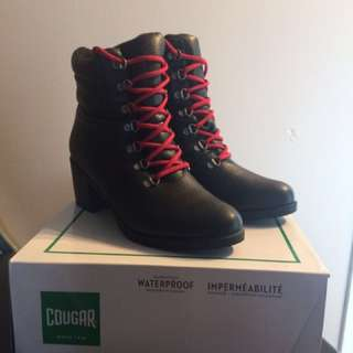Cougar Winter Boots Size 9