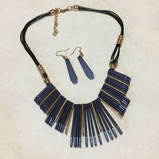 Blue gold necklace with earrings