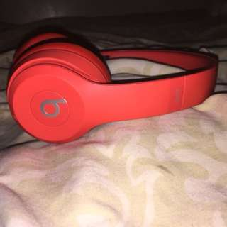 Beats solo 3's Wireless Headphones product Red
