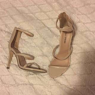 Nude strapped heels size 7