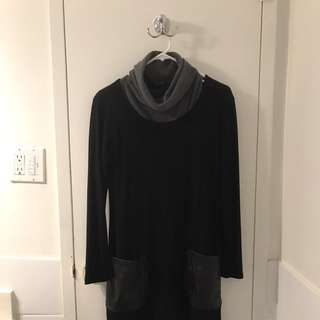 Straight Dress With Turtle Neck Cloth Inside
